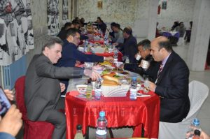 A collective Ramadan Iftar meal with the students